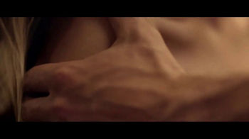 Hugo Boss: The Scent TV Spot, 'Closer' Ft. Theo James, Song by The Weeknd - Thumbnail 8