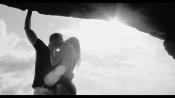 Calvin Klein Eternity TV Spot, 'Ever' Ft. Christy Turlington, Edward Burns - Thumbnail 3