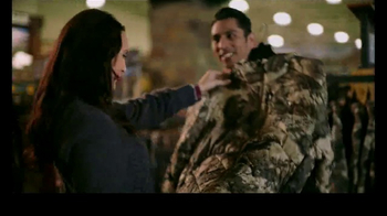 Cabela's Christmas Sale TV Spot, 'Optics, Apparel & Smokers' - Thumbnail 4