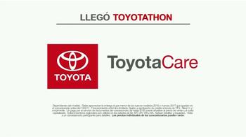 Toyota Toyotathon TV Spot, 'Cantantes de villancicos' [Spanish] - Thumbnail 7
