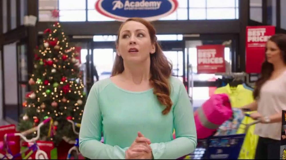 Academy Sports + Outdoors TV Commercial, 'Last Minute: Nike & Fitbit'