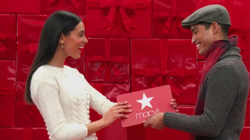Macy's Gift Cards TV Spot, 'Perfect Gift' - Thumbnail 2