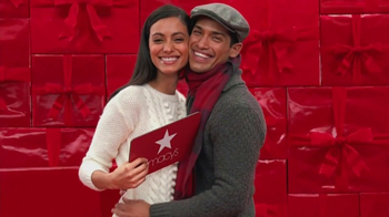 Macy's Gift Cards TV Spot, 'Perfect Gift' - Thumbnail 3