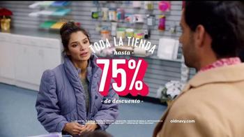Old Navy TV Spot, 'Ex novio: 75 por ciento' con Diane Guerrero [Spanish] - Thumbnail 7