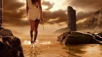 Versace Eros Holiday Gift Set TV Spot, 'Cupid's Arrow: Pefumes' - Thumbnail 4