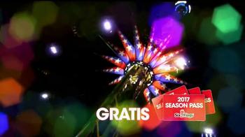 Six Flags Holiday in the Park TV Spot, 'Mundo navideño' [Spanish] - Thumbnail 7