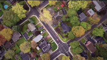 Coldwell Banker TV Spot, 'New Year Resolutions for Your Home' - Thumbnail 3