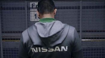 Nissan Diehard Fan TV Spot, 'Edición tricolor' con Oswaldo Sánchez[Spanish]