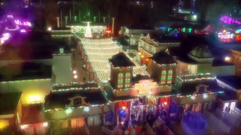 Six Flags Holiday in the Park TV Spot, 'Spectacular' - Thumbnail 4