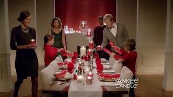 Yankee Candle TV Spot, 'Holidays: Free Votive Candle' - Thumbnail 2