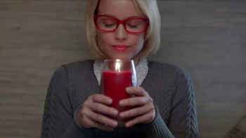 Yankee Candle TV Spot, 'Holidays: Free Votive Candle'