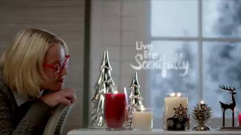 Yankee Candle TV Spot, 'Holidays: Free Votive Candle' - Thumbnail 5
