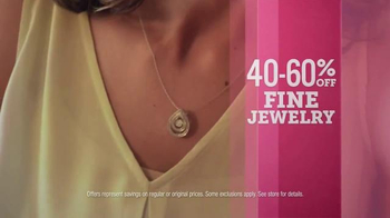 JCPenney Mother's Day Sale TV Spot, 'Apparel for Her' - Thumbnail 4