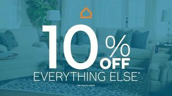 Ashley Furniture Homestore TV Spot, 'Lowest Prices of the Season' - Thumbnail 3