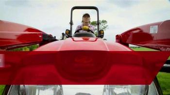Mahindra TV Spot, 'Push More. Pull More. Lift More.' - Thumbnail 4