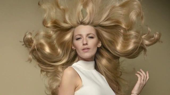 L'Oreal Paris Extraordinary Oil TV Spot, 'No Reason' Featuring Blake Lively - Thumbnail 5