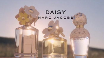 Marc Jacobs Fragrances TV Spot, 'Daisy Trio' Song By CHVRCHES - Thumbnail 10