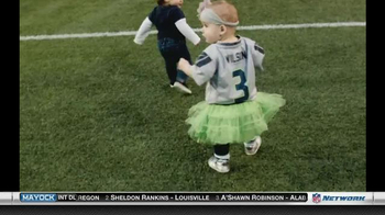 NFL Newborn Fan Club TV Spot, 'Seahawks' Lucky Onesie' - Thumbnail 4
