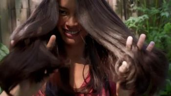 Garnier Whole Blends TV Spot, 'A Smooth Way to Care for Frizz-Prone Hair' - Thumbnail 5