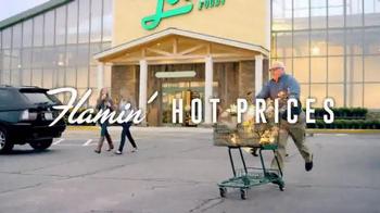 Lowes Foods Barnburner Savings TV Spot, 'Flamin' Hot Prices' - Thumbnail 5