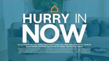 Ashley Furniture Homestore TV Spot, 'Curves, Shine and Design' - Thumbnail 5