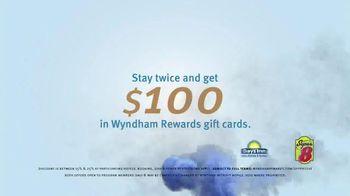 Wyndham Rewards TV Spot, 'Forecast' Featuring Kristofer Hivju - Thumbnail 9