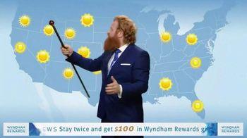 Wyndham Rewards TV Spot, 'Forecast' Featuring Kristofer Hivju - Thumbnail 3