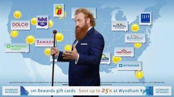 Wyndham Rewards TV Spot, 'Forecast' Featuring Kristofer Hivju - Thumbnail 7