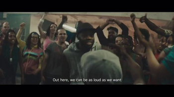 Smirnoff Ice Electric Berry TV Spot, 'Keep It Moving: Chris Fonseca' - Thumbnail 9