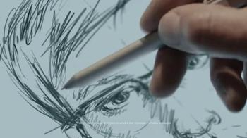Microsoft Surface Pro 4 TV Spot, 'La artista forense' [Spanish] - Thumbnail 3