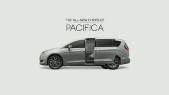 Chrysler Pacifica TV Spot, 'The Secret Life of Pets: Chloe' - Thumbnail 2