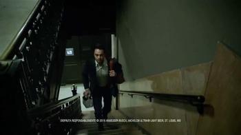 Michelob Ultra TV Spot, 'Get Up' canción de James Brown [Spanish] - Thumbnail 8