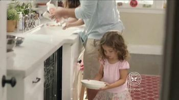 The Honest Company Essentials Bundle TV Spot, 'Life Can Get Messy' - Thumbnail 6