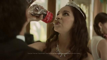 Coca-Cola TV Spot, 'Share a Coke and a Song: Dance' Song by Prince Royce - Thumbnail 8
