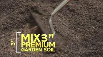 Miracle-Gro TV Spot, 'HGTV: Garden Ideas' - Thumbnail 3