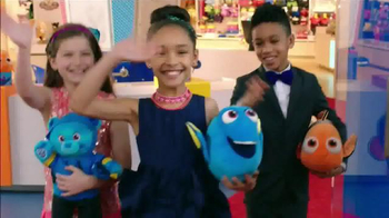 Build-A-Bear Workshop TV Spot, 'Finding Dory: Red Carpet' - Thumbnail 2