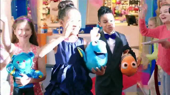 Build-A-Bear Workshop TV Spot, 'Finding Dory: Red Carpet' - Thumbnail 3