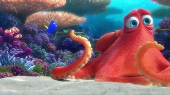 Coppertone Kids TV Spot, 'Finding Dory: Sunburn' - Thumbnail 4