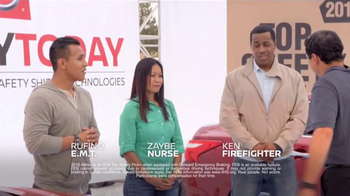 Nissan Safety Today Event TV Spot, 'Everyday Experts: 2016 Pathfinder' - Thumbnail 7