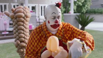 GEICO TV Spot, 'Clownin' Around: More More More' - Thumbnail 3