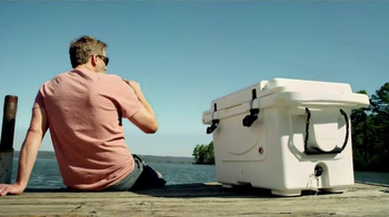 Cabela's Polar Cap Equalizer Cooler TV Spot, 'Every Day Value' - Thumbnail 5