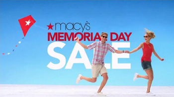 Macy's Memorial Day Sale TV Spot, 'TV Savings Pass' Song by Mungo Jerry - Thumbnail 2
