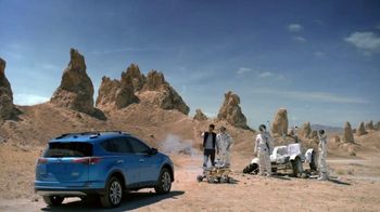 2016 Toyota RAV4 Hybrid TV Spot, 'Mars' Featuring James Marsden - 3416 commercial airings