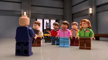 Chevrolet TV Spot, 'El totalmente nuevo Batimóvil LEGO de Chevy' [Spanish]  [T1] - Thumbnail 2