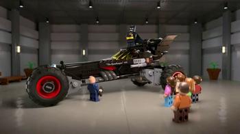 Chevrolet TV Spot, 'El totalmente nuevo Batimóvil LEGO de Chevy' [Spanish]  [T1] - Thumbnail 8