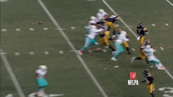 Microsoft Surface TV Spot, 'NFL Sidelines: Dolphins vs. Steelers' - Thumbnail 5