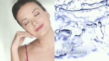 Cicatricure Microdermabrasion TV Spot, 'Hidrata' [Spanish] - Thumbnail 3