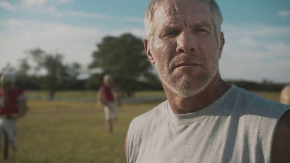 Buffalo Wild Wings TV Commercial, 'The Encounter' Featuring Brett Favre