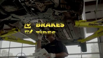 Meineke Car Care Centers Basic Oil Change TV Spot, 'Staycation' - Thumbnail 6