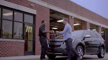 Meineke Car Care Centers Basic Oil Change TV Spot, 'Staycation' - Thumbnail 8